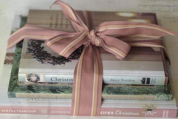З подарунком до бібліотеки !